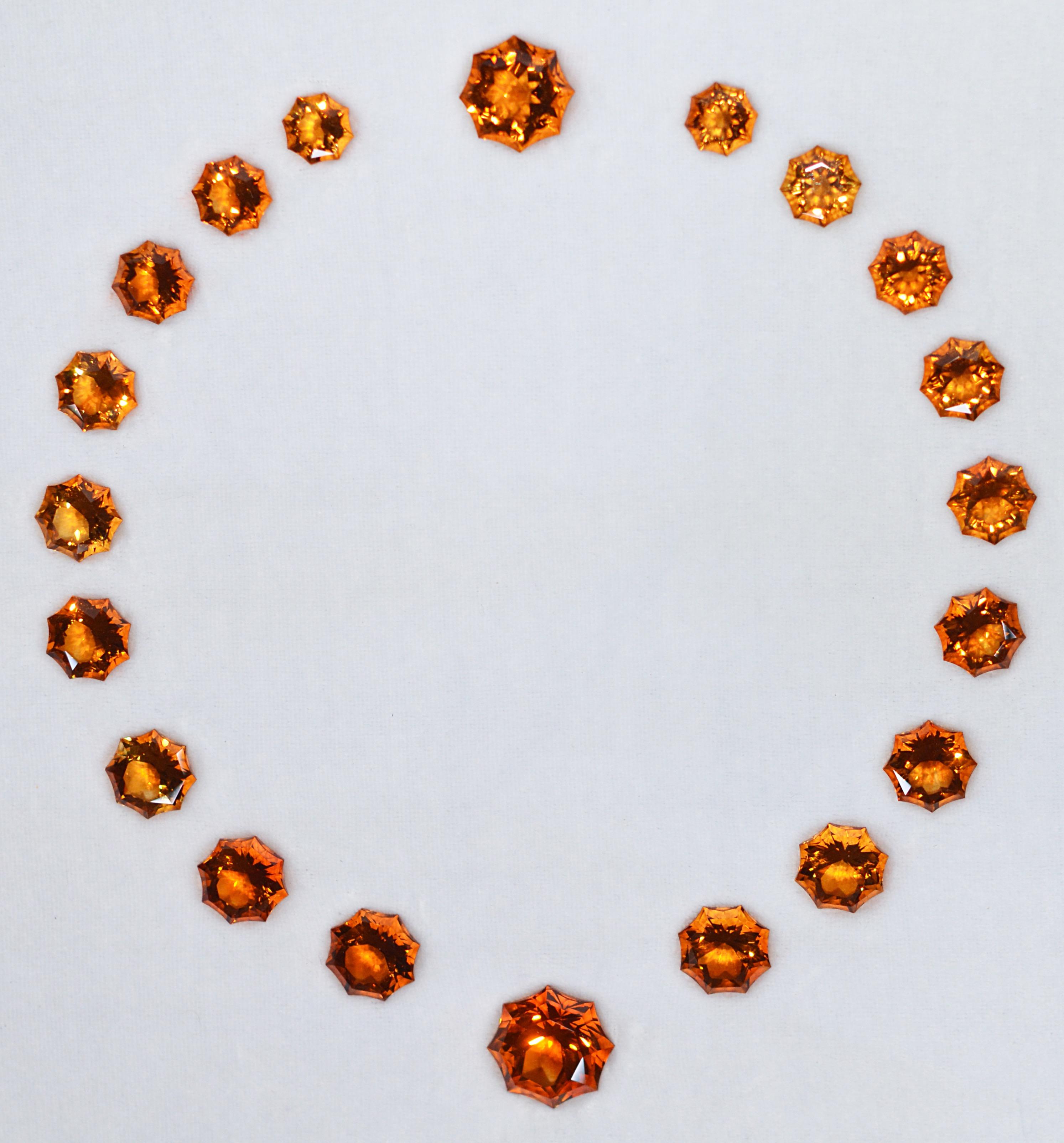 Demie parure de citrine : Collier 19 pierres en chute et Bague 1 pierre Taille « Soleil » 397, 42 carats