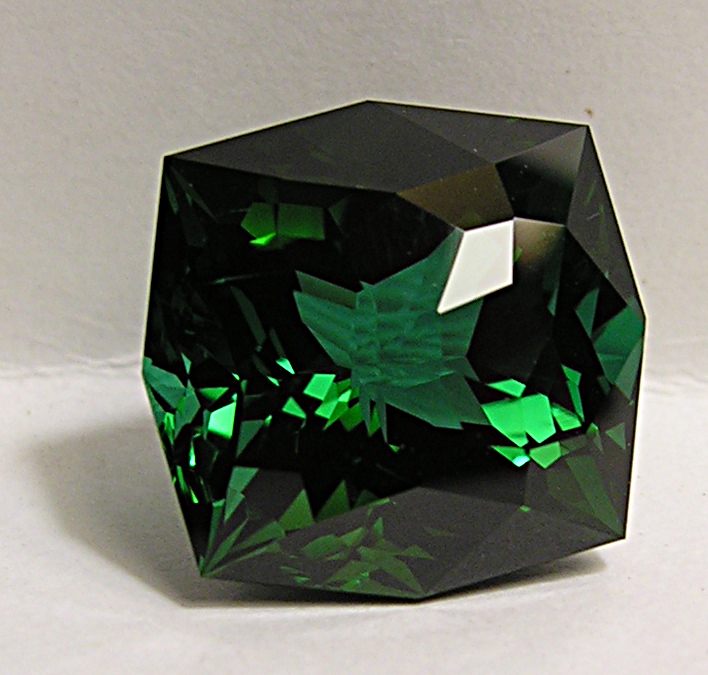 Tourmaline verte, 15,90 carats