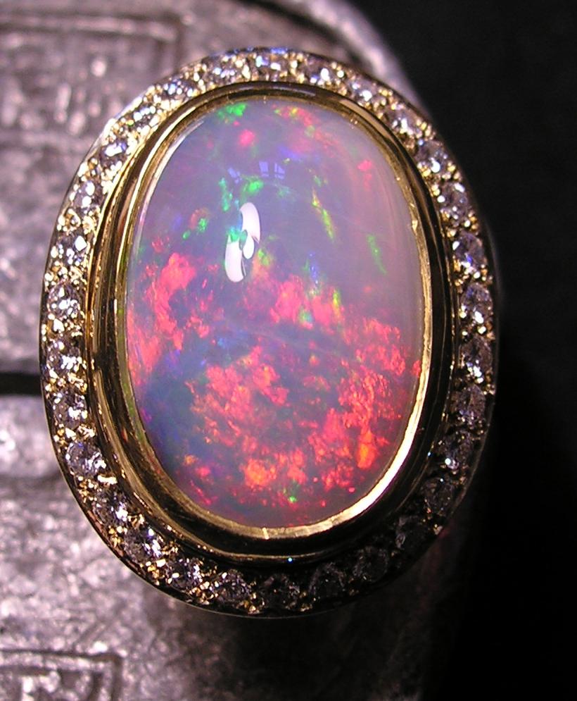 Bague opale d'Australie de 13,08 carats