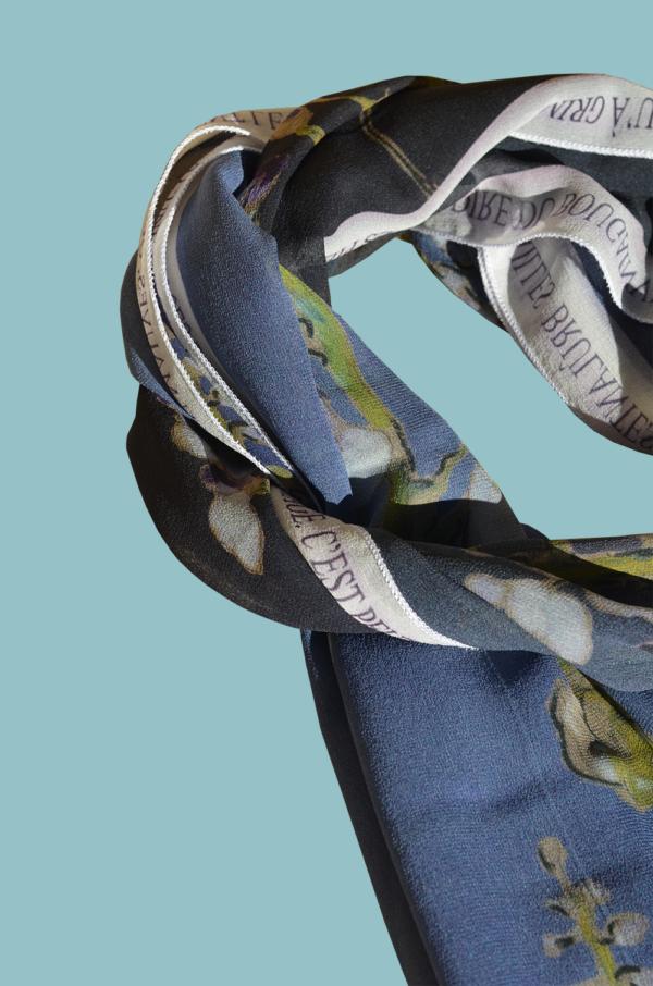 Foulard Numéro 1 - Soie Naturelle - 35 cm x 190 cm - Modèle Unique